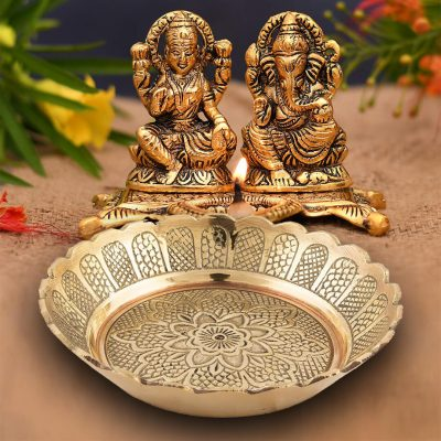 Small Antique Handmade 2.68 Inch Brass Pooja Thali Set for Pooja and Festival (Pack of 3)